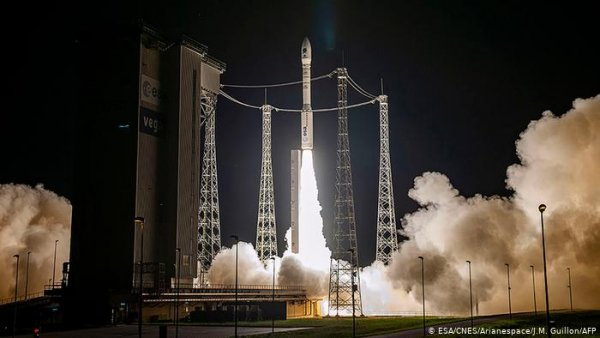EU aims to curb carbon footprint through investment in space
