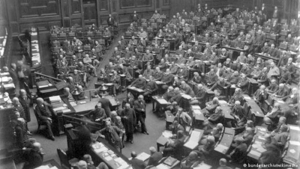 Germany remembers dawn of democracy in Reichstag