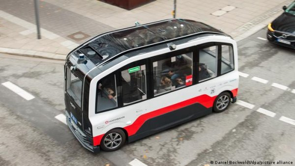 Germany aims to get self-driving cars on the roads in 2022