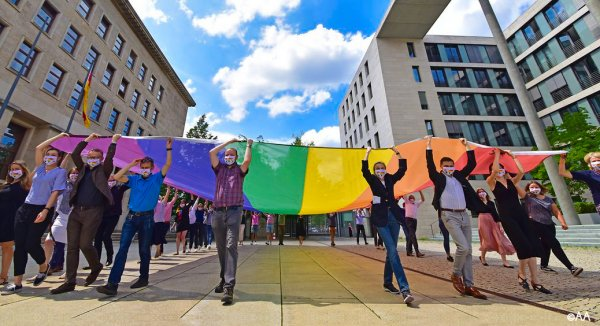 Equal rights for all – Federal Government adopts LGBTI Inclusion Strategy